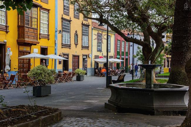 Kleurrijke huizen in San Cristobal de la Laguna op het Canarische eiland Tenerife.
