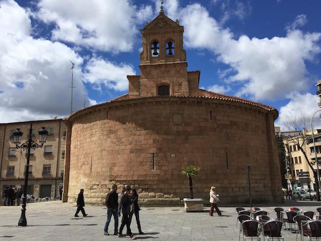 De Romaanse San Marcos kerk in Salamanca (Midden Spanje)