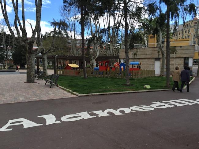 Speeltuin voor de kleintjes in Alamedilla Park van Salamanca