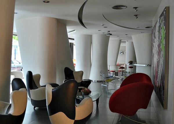 Splash&Crash bar in Gran Hotel Domine Bilbao