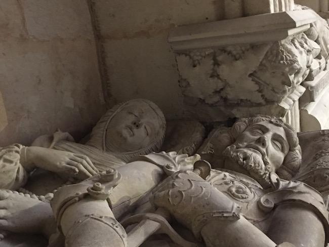 En een van de indrukwekkendste tombes uit de Renaissance- in de Anaya kapel (oude kathedraal Salamanca, Midden Spanje)