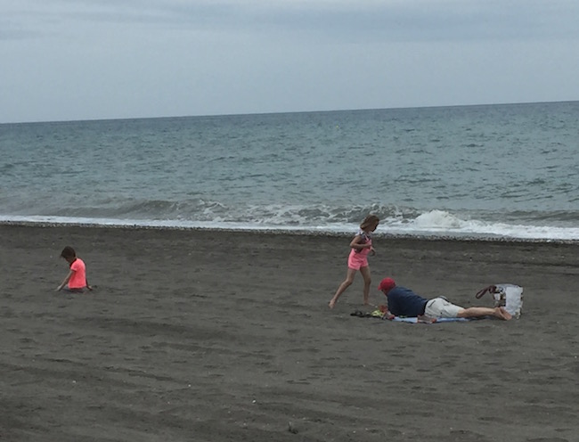 zacht en breed zandstrand bij Torrox Costa (Zuid Spanje)