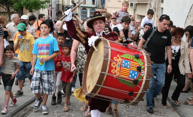 El Tabal die met Pinksteren de Patum van Berga aankondigt