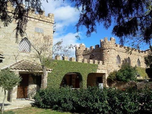 8-persoons vakantiehuis in kasteel op eilandje in omgeving Madrid
