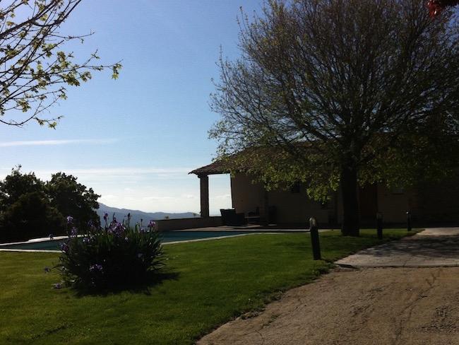 Vakantiehuis Vilaformiu in Catalonië - een landelijk vakantiehuis met zwembad en fantastische uitzichten