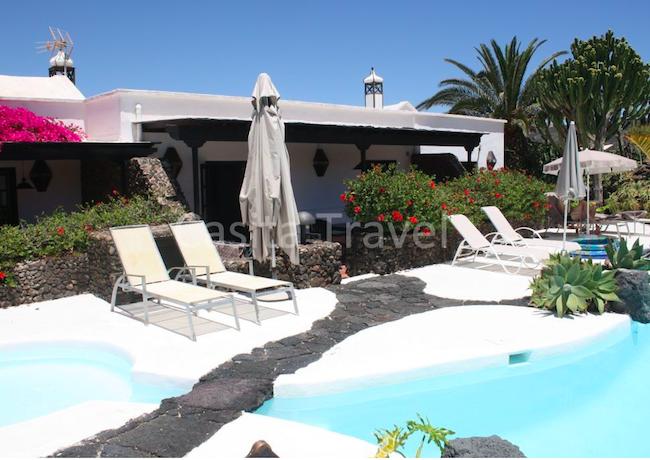 vakantieprakje met 4 luxe designvilla's, een zwembad en yoga-huis op Lanzarote (Canarische Eilanden)