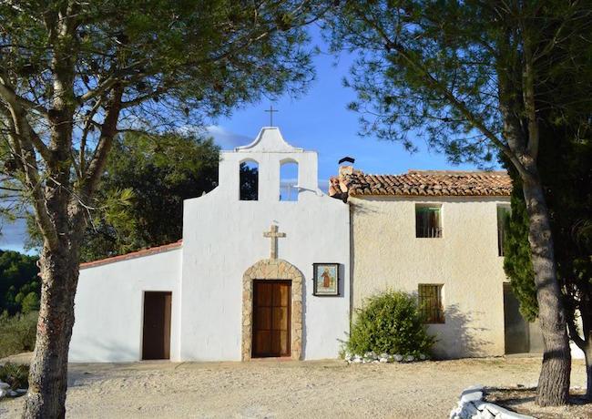 Het kapelletje van het bijzondere gehucht Benalí in Oost Spanje