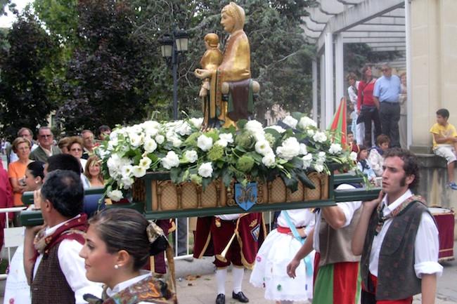 De Maagd van Valvanera (beschermheilige van La Rioja) tijdens de Feesten van San Mateo