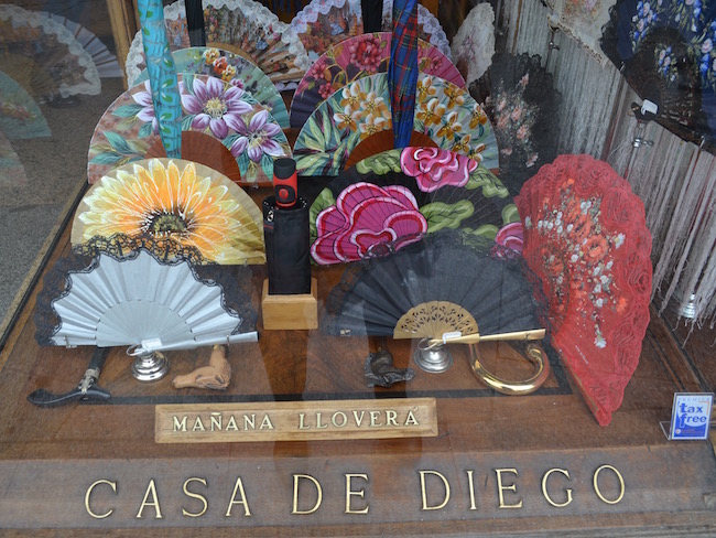 Waaierwinkel en waaiermuseum in Madrid (Spanje)