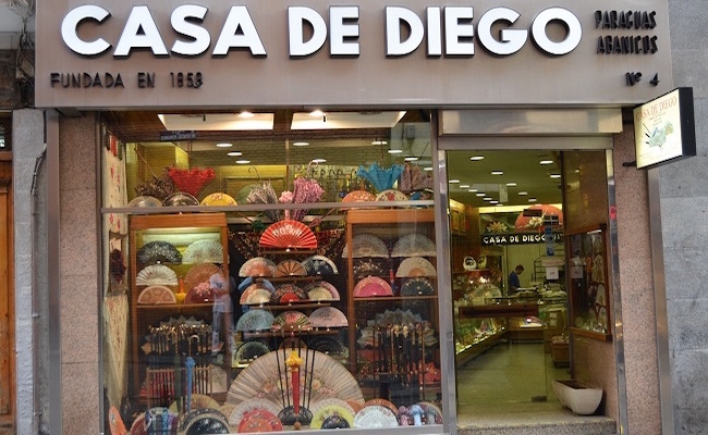Een klein waaiermuseum in de oudste waaierwinkel van Madrid