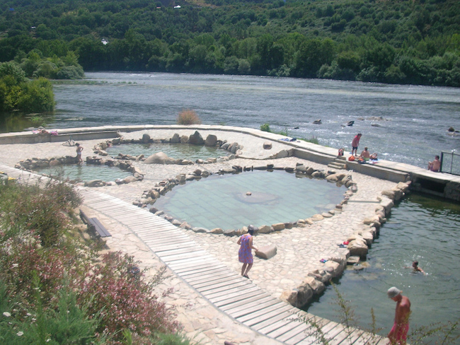 De warmwaterbronnen van Muiño in Galicië (Noord Spanje)