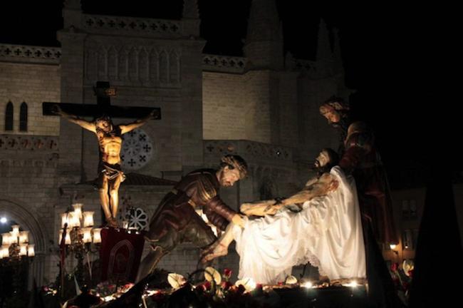 Een Christusbeeld tijdens de processie op Witte Donderdag in Valladolid (Midden Spanje)