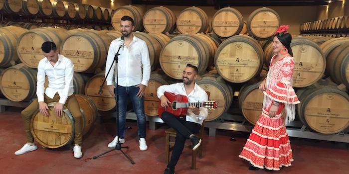 Een optreden van Sal Gorda in Bodega Dehesa de los Canonigos in wijngebied Ribera del Duero (Midden Spanje)