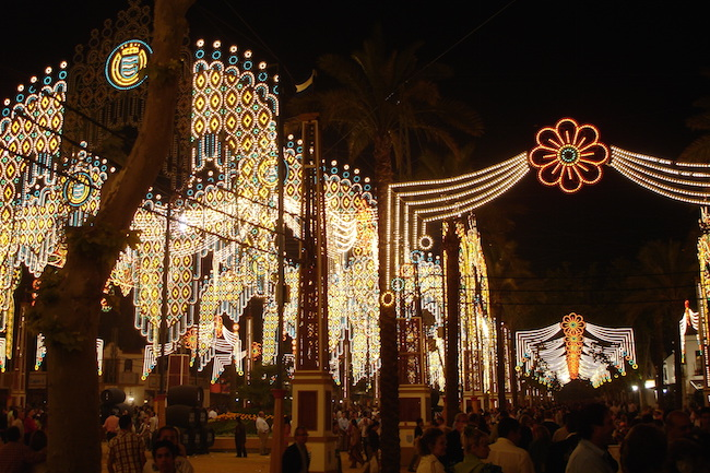 Verlichting tijdens de Feria del Caballo in Jerez de la Frontera