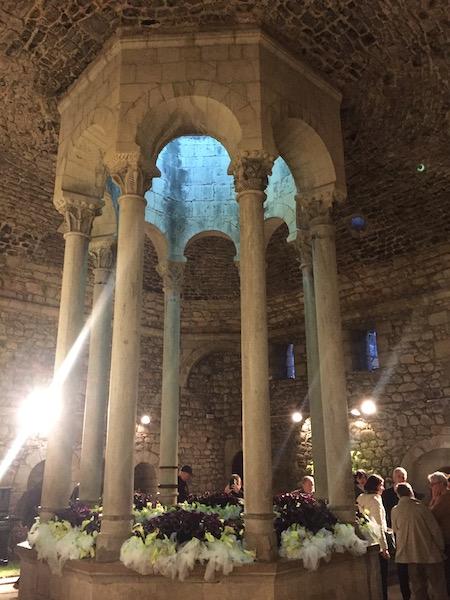 Bloemversiering Banys Árabs (Girona Temps de Flors 2019)