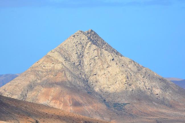 De Heilige berg Tindaya op Fuerteventura