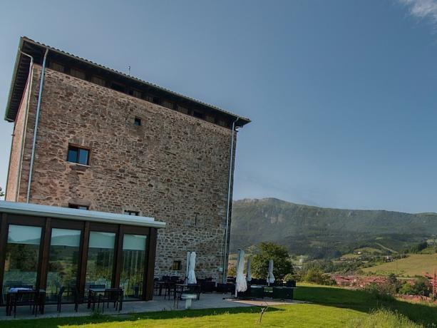 Hotel in Middeleeuwse toren in Oñati (Baskenland)