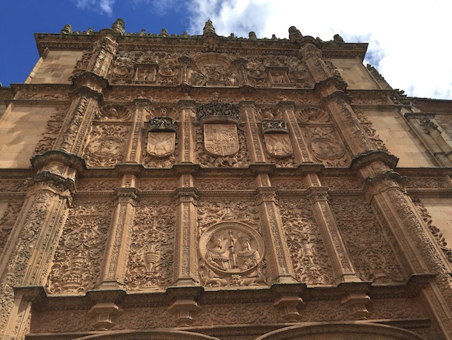 Kikker in gevel van Spanje's oudste universiteit in Salamanca