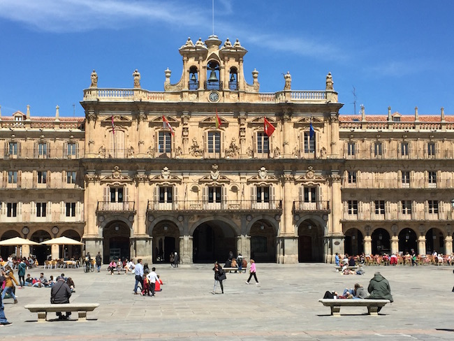 De Plaza Mayor in studentenstad Salamanca (Spanje)