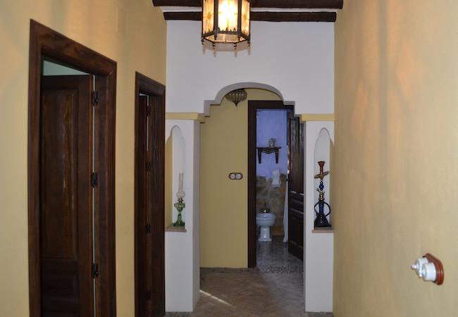 Het mooie rustiek, Arabische interieur van vakantiehuis El Membrillar bij Priego de Cordoba (Andalusië)