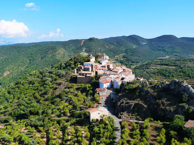 Bergdorpje Juseu in Aragon in noordoost Spanje, aan de voet van de Spaanse Pyreneeën